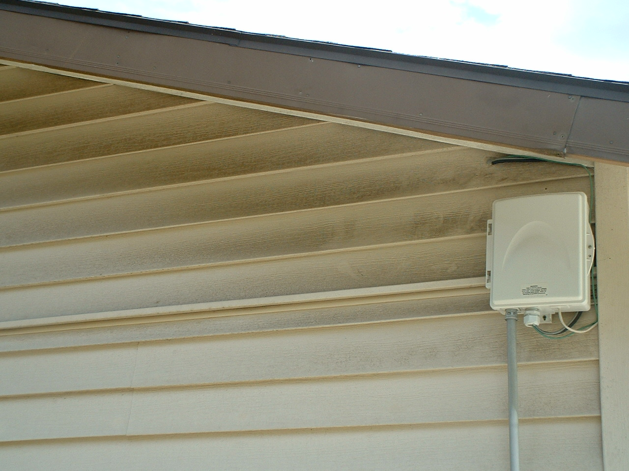 Siding washing cleaning services in portland vinyl for Types of house siding materials