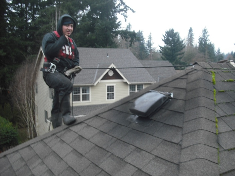Servicing a roof maintenance plan