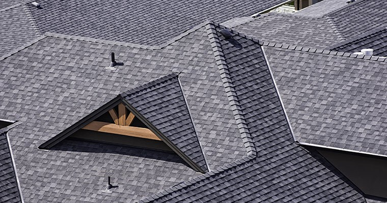This Roof Maintenance Checklist Helps Stop Roof Problems in Their Tracks